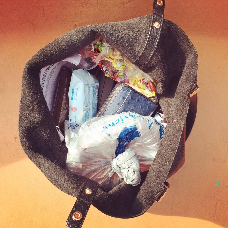 Mi bolsa es una población de cosas que no tienen relación una con otra, ¿será que la de ustedes también?