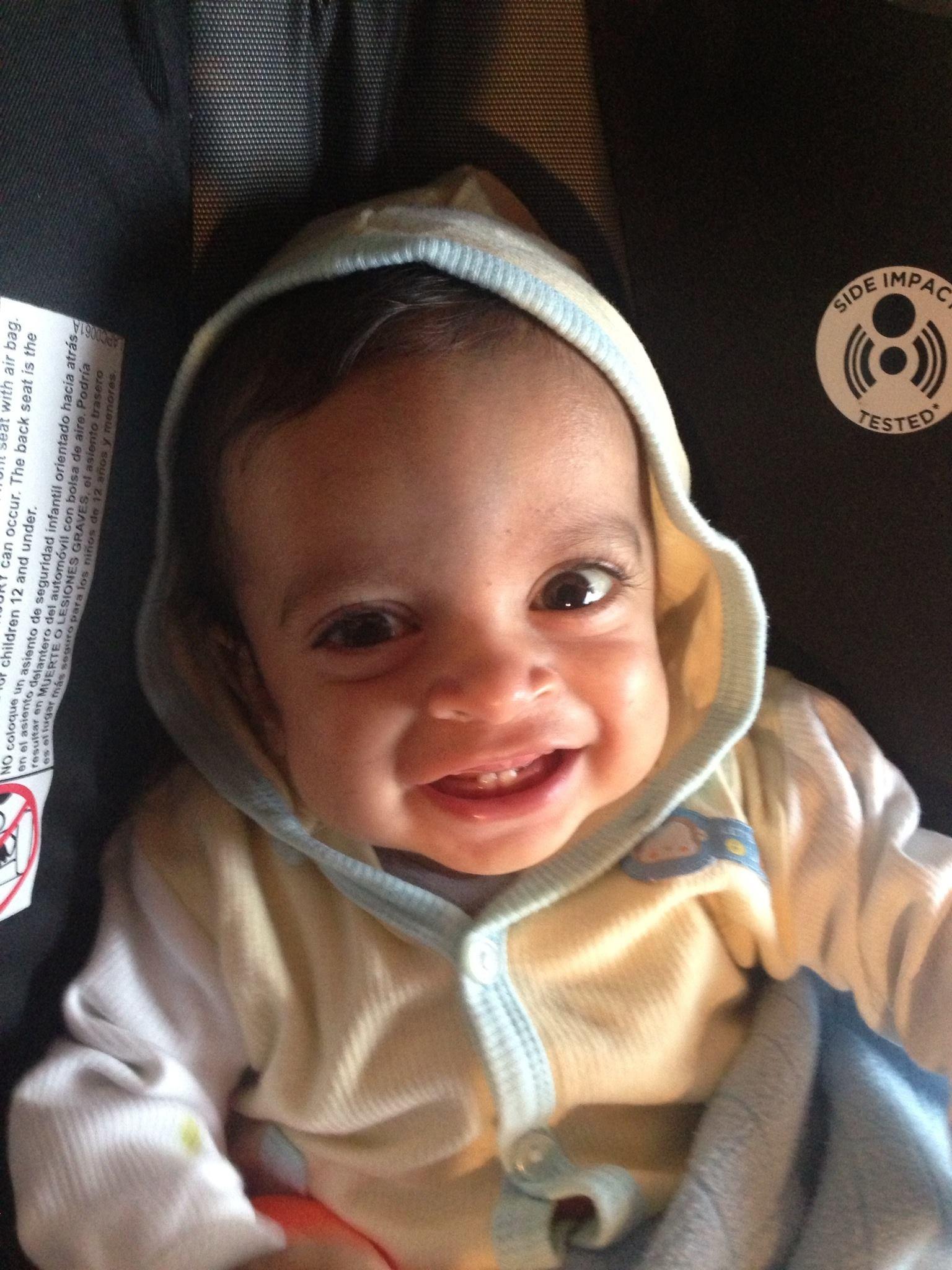 Luis Eduardo, un bebé en búsqueda de trasplante de hígado.
