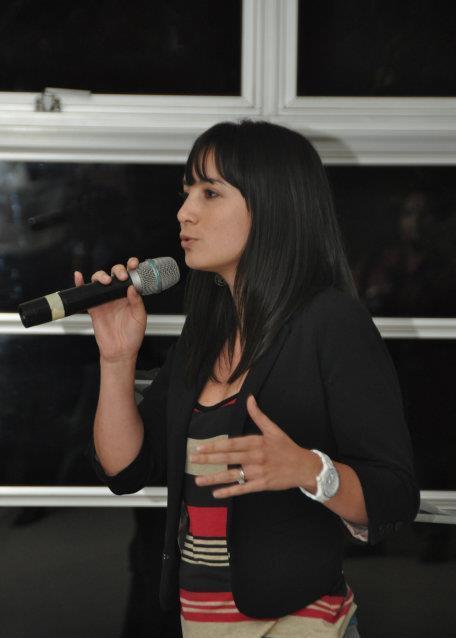 Soy publicista, ex creativa y ahora estratega. También esposa y mamá de una niña y un bebé, soy guatemalteca, pero llevo varios años de vivir en        El Salvador.