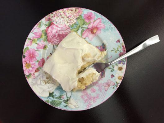 Les puedo asegurar que este pastel de Tres Leches sí sale mojadito y suave, además que es pura leche de verdad. Instagram @mundo_de_mama