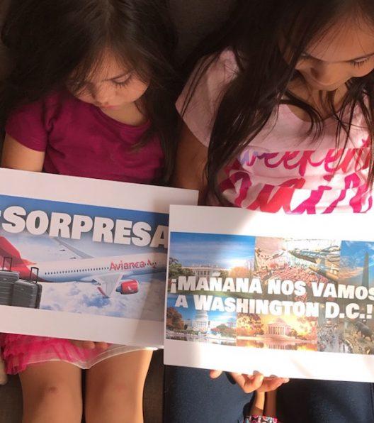 Un día antes de irnos, les dimos la sorpresa a ls niñas de que nos iríamos de viaje al día siguiente, esto los emociona más.